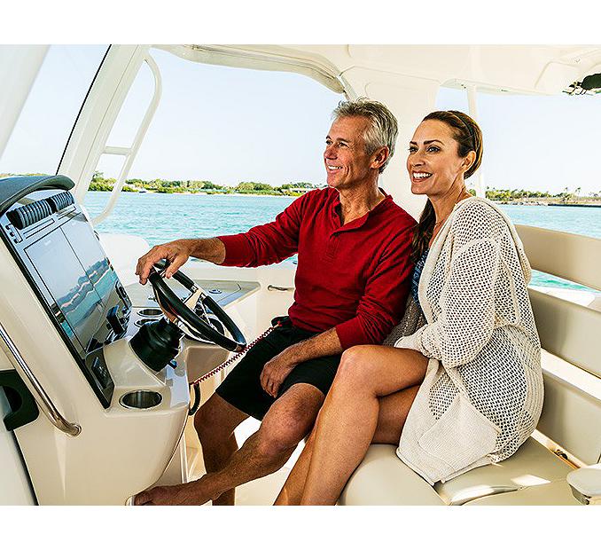 BW_Types_of_Boats_Cruising
