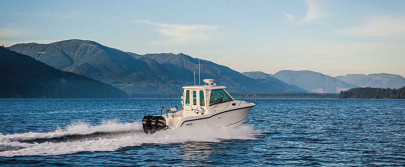 Boston-Whaler-285-Conquest-Pilothouse-Gallery-3