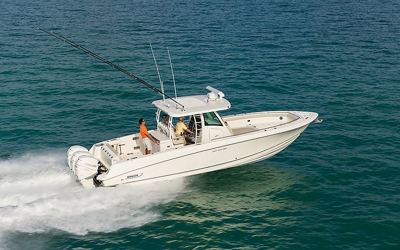 Boston-Whaler-350-Outrage-Gallery-1