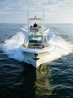 Boston-Whaler-420-Outrage-Gallery-9