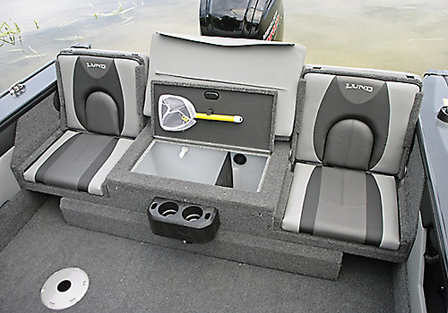 Crossover XS Aft Deck Sun Pad with Jump Seats and Livewell Open
