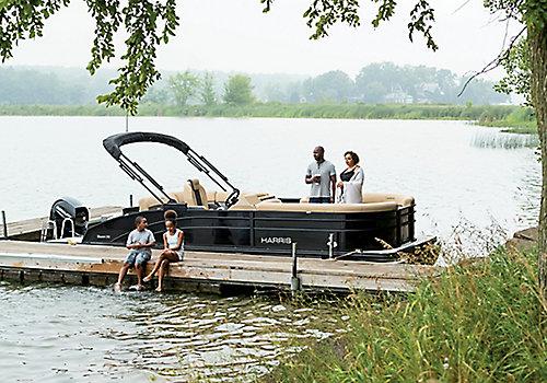 Cruiser 230 SL Dock Lifestyle