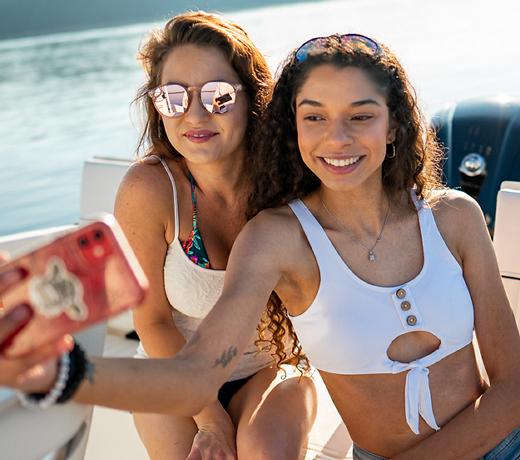 Selfie-with-girls