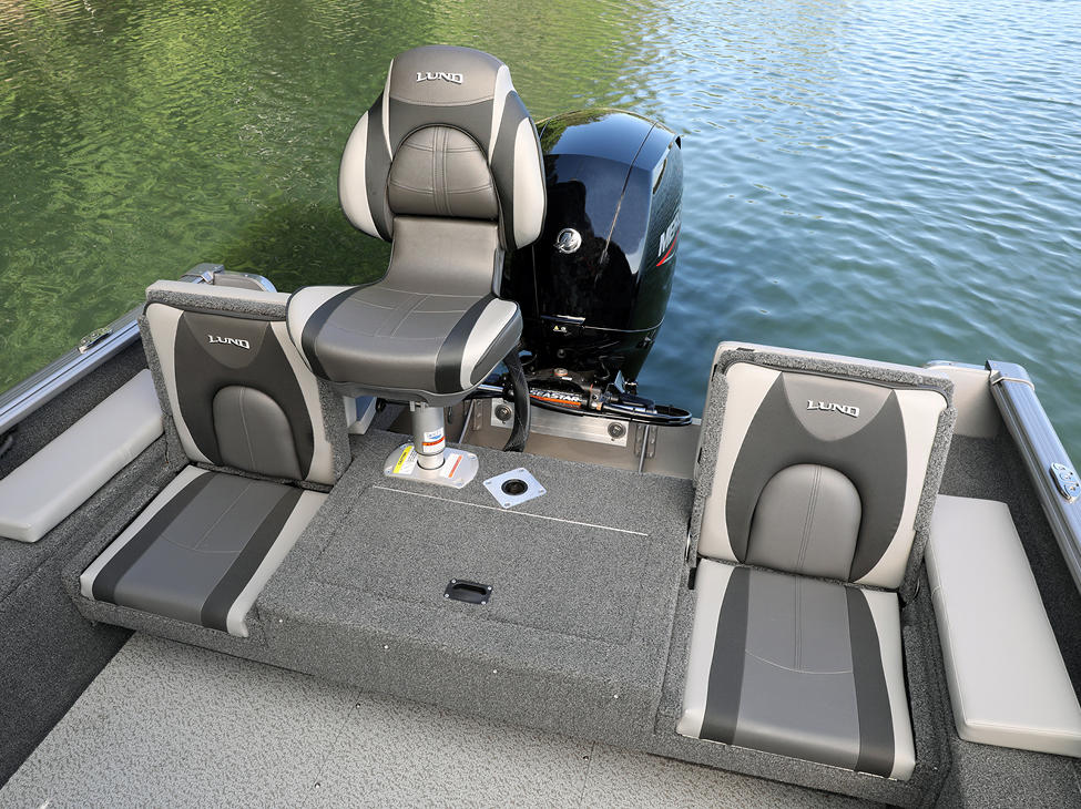 Impact XS Aft Deck with Seat