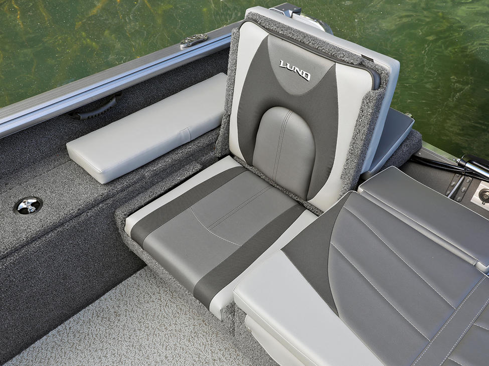 Impact XS Aft Jump Seat Starboard Side shown with Optional Aft Deck Sun Pad