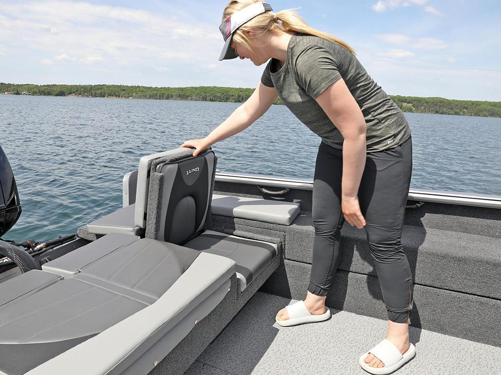 Impact XS Aft Jump Seat with Optional Aft Deck Sun Pad
