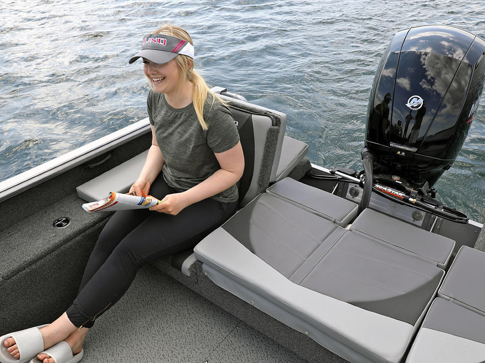 Impact XS SS Aft Jump Seat shown with Optional Aft Deck Sun Pad
