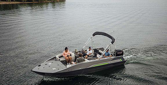 Lowe_Deck_Boat_Running_MY22