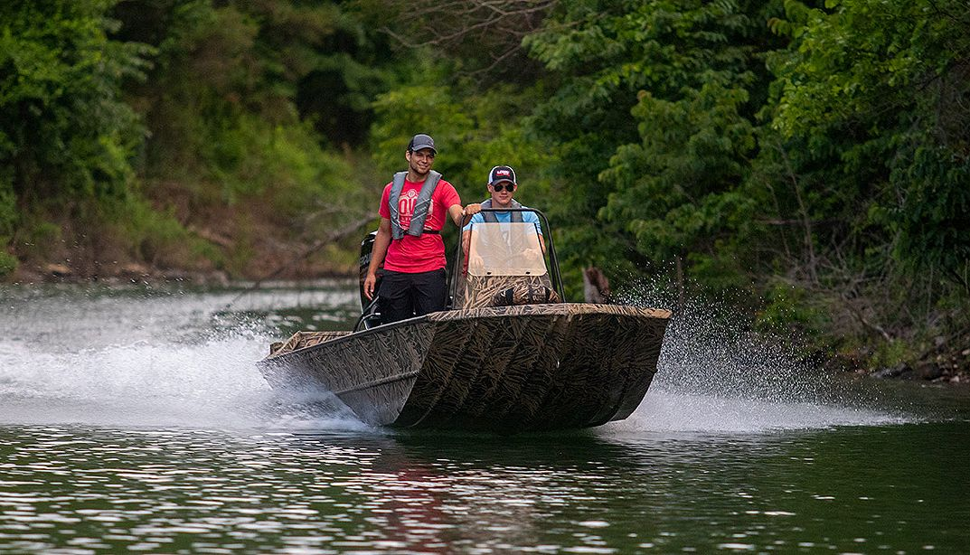 Lowe Boats RX18PT Photo Gallery Image Six