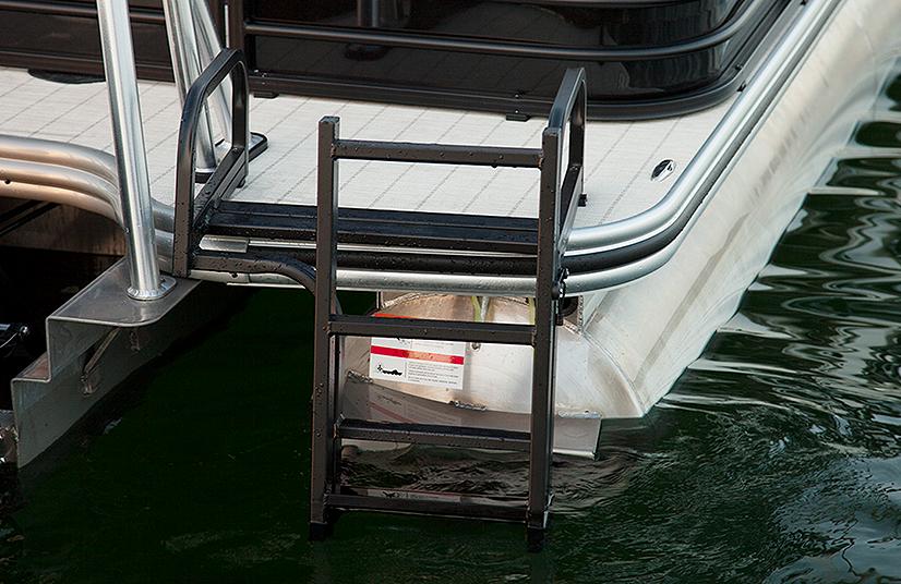 Lowe Boats Retreat270 Exterior Walkthrough  Feature Image  3