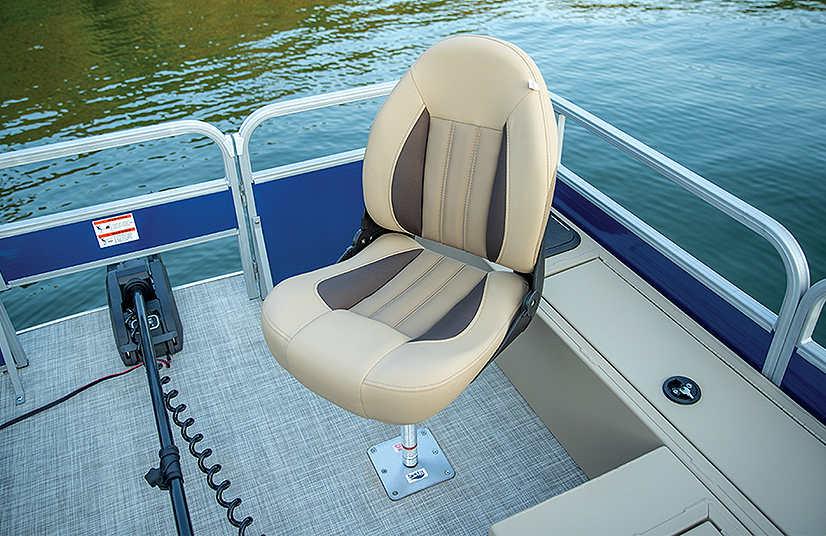 Lowe Boats SF232W  Feature Image  4