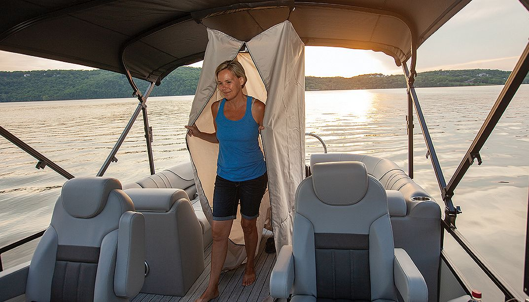 Lowe Boats SF234 Photo Gallery Image  7