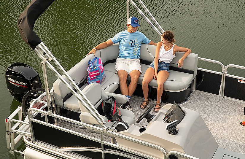 Lowe Boats UF202 Feature Image  4