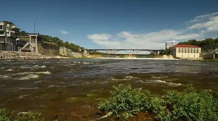Lund-Ultimate-Fishing-Experience-2015-Episode-09-Metro-River-Fishing.mkv0065