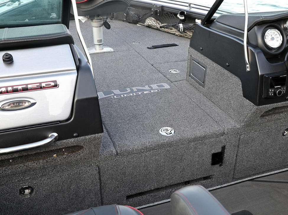Pro-V Limited Center Rod Storage Compartment Closed