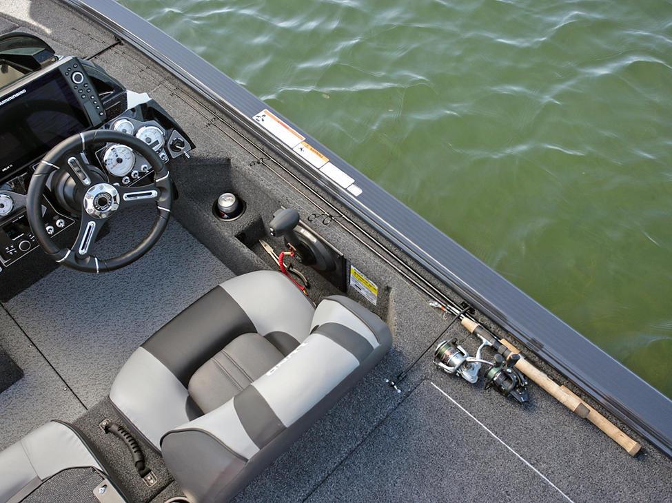 Pro-V-Bass-Bench-Starboard-Aft-Deck-Rod-Straps