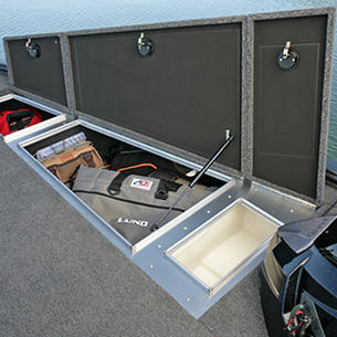 Pro-V Bass Bow Deck Starboard Storage Compartments and Livewell
