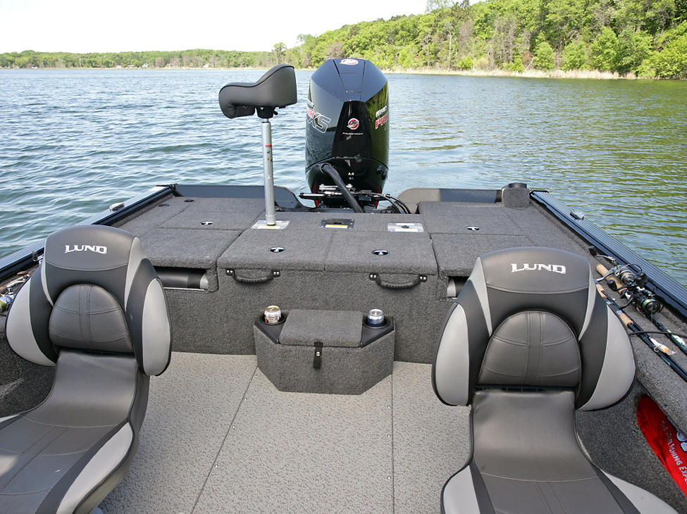 Pro-V Bass XS Cockpit with Aft Deck Butt Seat