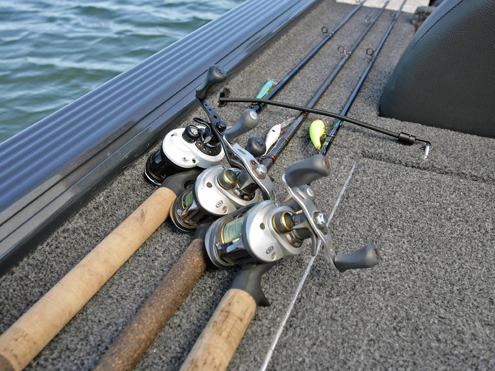 Pro-V-Musky-Bench-Aft-Deck-Rod-Straps