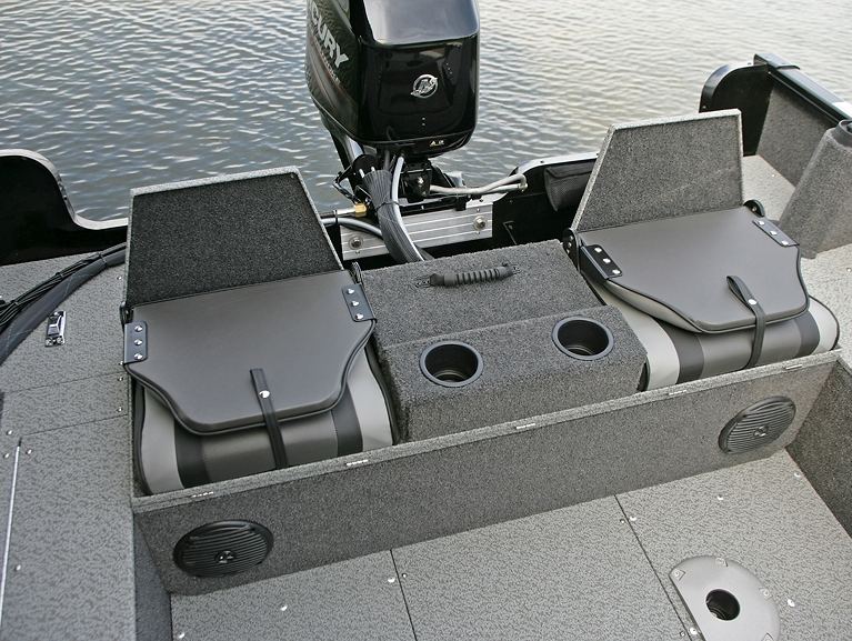 Rebel XL Sport-SS Aft Deck with Optional Flip Bench - Up with Seats Closed