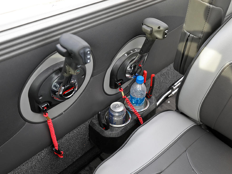 Tyee Throttle Controls and Cup-Tool Holder