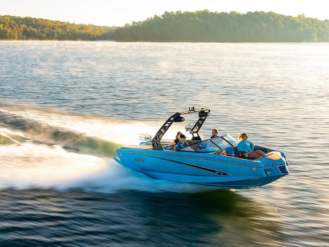 WT2-BlueBoat-Running