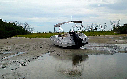 beached_boat_1024x768