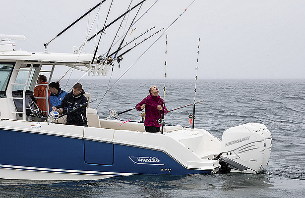 center-console-fishing-330-outrage
