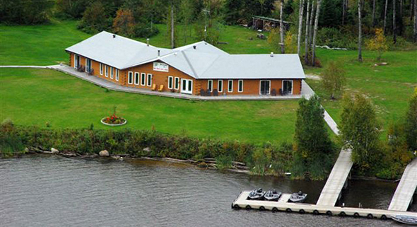 ln-lund-life-boat-fish-blog-camps-and-resorts-halley03