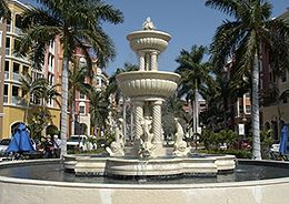naples-fountain-near-naples-freedom-boat-club