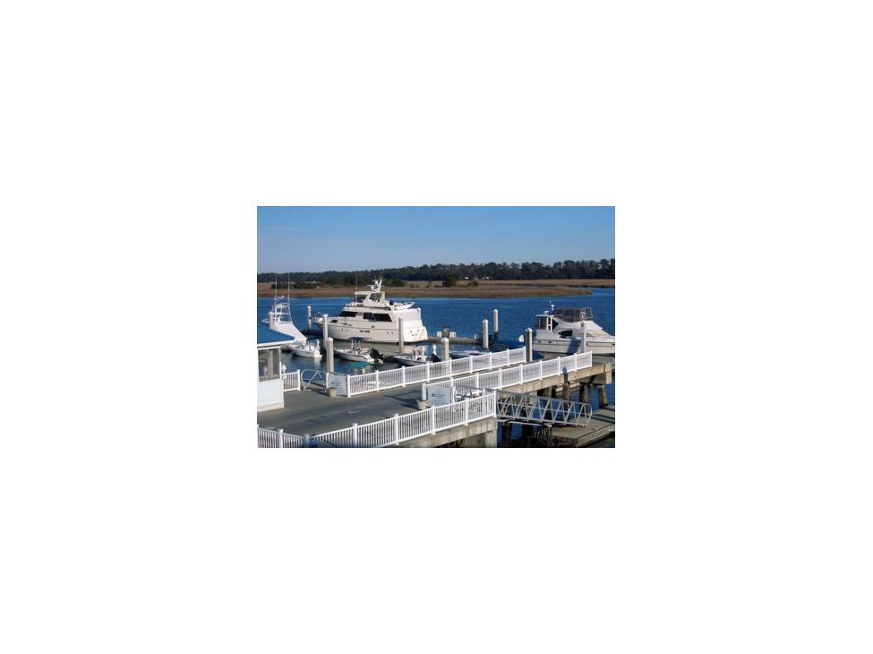 savannah-view-of-freedom-boat-club-boats-bahia-bleu-marina