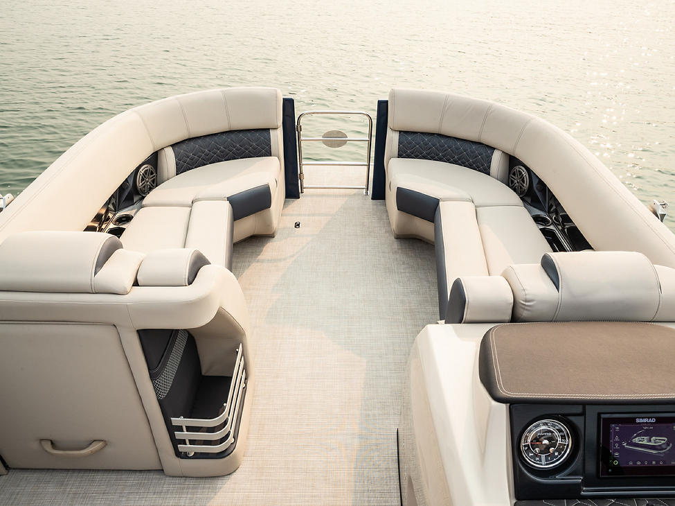 Grand Mariner 230 Bow Seating in French Gray