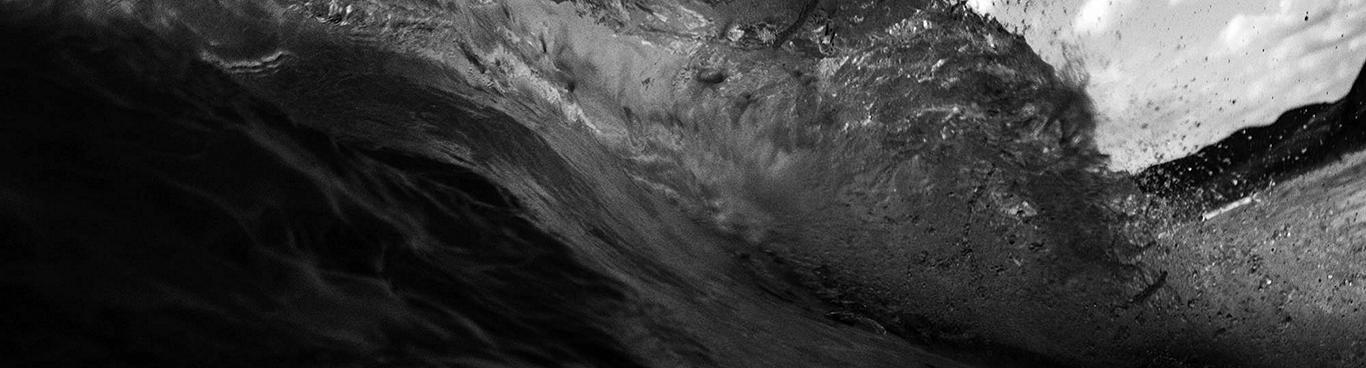 waves-bw-1999x1332
