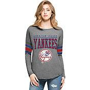 '47 Women's New York Yankees Grey Courtside Long Sleeve Shirt