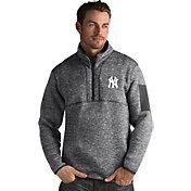 Antigua Men's New York Yankees Grey Fortune Half-Zip Pullover