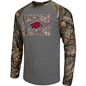 Colosseum Athletics Men's Arkansas Razorbacks Grey/Camo Break Action Long Sleeve Shirt