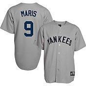 Majestic Men's Replica New York Yankees Roger Maris #9 Grey Cooperstown Jersey