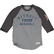 Mitchell & Ness Men's Detroit Tigers Grey Three-Quarter Raglan Sleeve Shirt