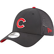 New Era Men's Chicago Cubs 9Forty Perf Pivot Adjustable Hat