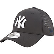 New Era Men's New York Yankees 9Forty Perf Pivot Adjustable Hat