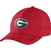 Nike Men's Georgia Bulldogs Red Vapor Sideline Swoosh Flex Hat
