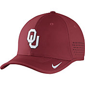 Nike Men's Oklahoma Sooners Crimson Vapor Sideline Coaches Hat
