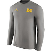 Jordan Men's Michigan Wolverines Heathered Grey Football Coach Dri-FIT Touch Sideline Long Sleeve Shirt