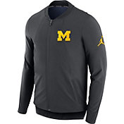 Jordan Men's Michigan Wolverines Anthracite Showtime Dry Basketball Jacket