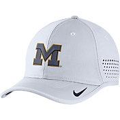 Nike Men's Michigan Wolverines White Vapor Sideline Coaches Hat
