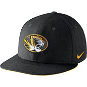 Nike Men's Missouri Tigers Players Black True Snapback Hat