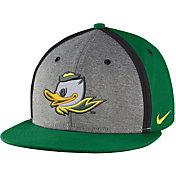 Nike Men's Oregon Ducks Apple Green/Grey Sideline True Adjustable Performance Hat