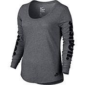 Nike Women's Just Do It Graphic Long Sleeve Shirt
