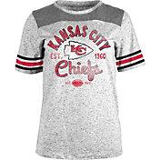 5th & Ocean Women's Kansas City Chiefs Peppercorn Throwback Grey T-Shirt