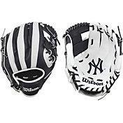 "Wilson 10"" A200 New York Yankees T-Ball Glove"